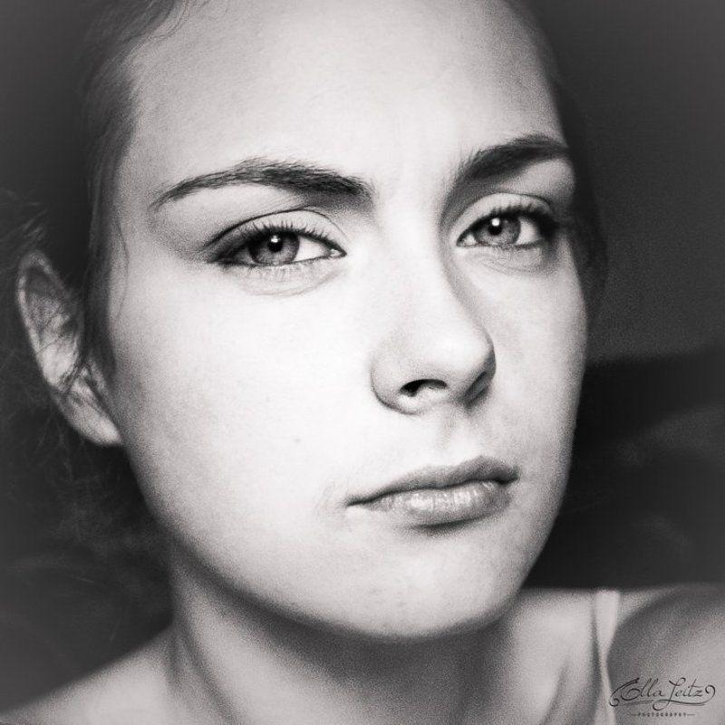 эмоциональный, портрет однаphoto preview