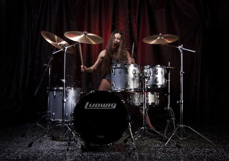 аква-съемка, аква-зона, модель, музыканты, ударник, ударница, мокрая съемка Let\'s rock!photo preview