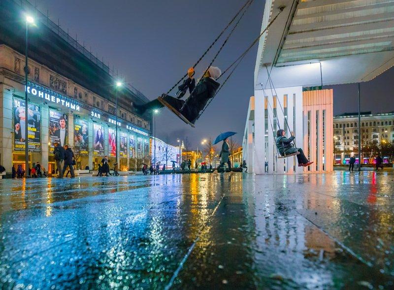 москва, вечер, осень, дождь, качели, площадь, триумфальная Дождливый вечерphoto preview