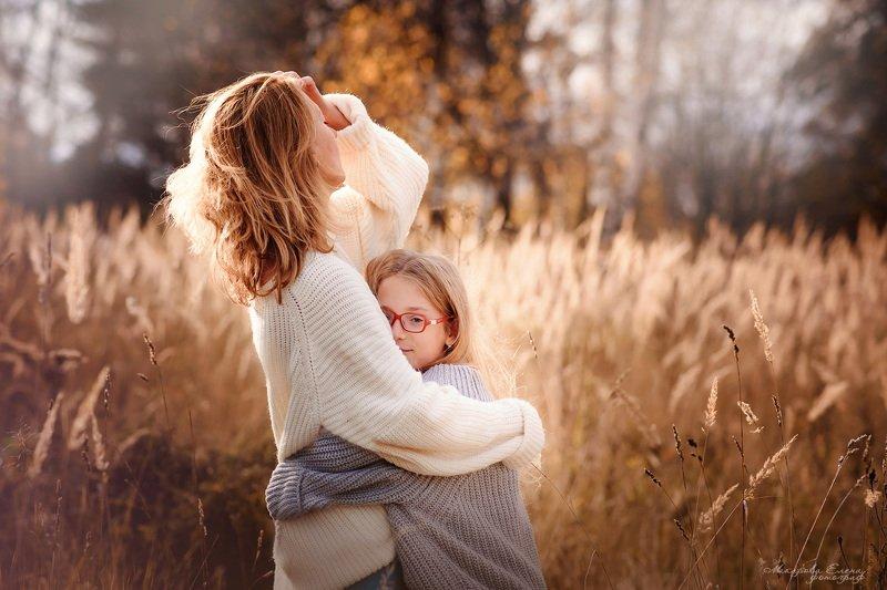 портрет, семья, дочь, ребенок, осень, прогулка Осеннее солнышкоphoto preview