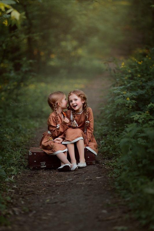 дети, сестры, деревня, винтаж, sunny vikki Чудесные сестричкиphoto preview