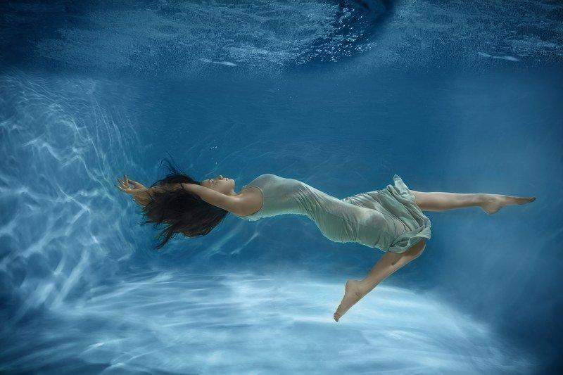 вода ,гламур,красотка,erotic, nude ,melefara, photographer, photo, эротика , фотограф ,panakota_spb , подводная съёмка, девушка Притяжения больше нетphoto preview