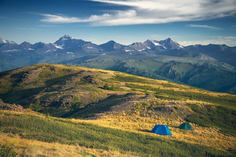 пейзаж, природа, хребет, горы, вершины, белуха, шенелю, катунский, хребет, палатки, ночевка, утро, Алтай, красивая, природа, большой, высокий Ночевка с видом на Шенелюphoto preview