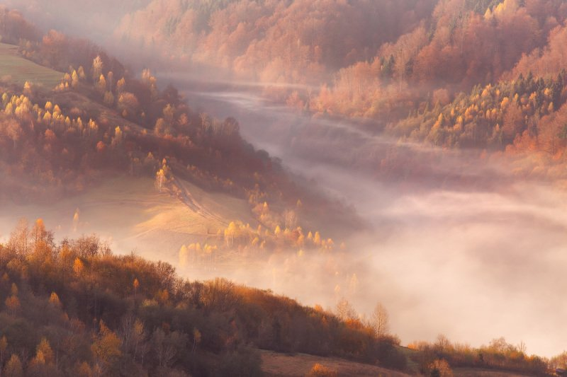 горы, карпаты, октябрь, осень, рассвет, туман, украина, утро О геометрии гор и туманаphoto preview