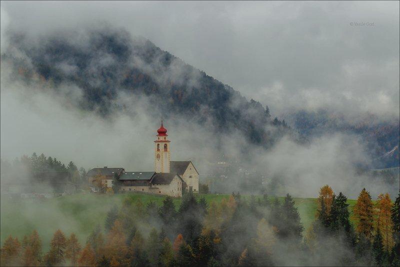 доломитовые альпы,curt,деревня,val di funes,осень,италия,alps,церквушка Тумана клочья ватные...photo preview