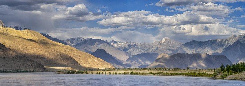 Пакистан, панорама,   Indus riverphoto preview