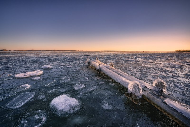 Blue, Blue Sky, bridge, floe, gantry, glitter, glittering Islands, Heap, hillock, Horizon, ice, Ice Floe, icicles, Islets, Jetty, lake, Lake Hjälmaren, Ludwig Riml  Photography, morning, outdoors, Pier, pile, Puddle, Rock, Sky, Snow, Snowcapped, Sparkle,  Glittering Lightphoto preview