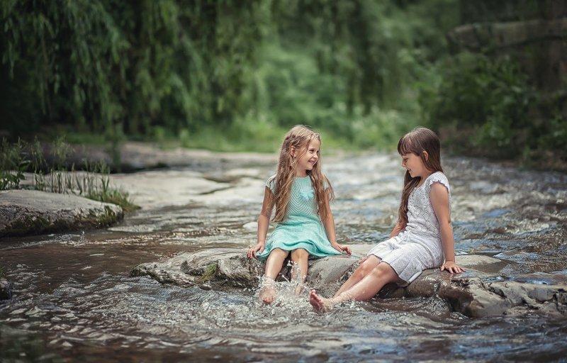 Беззаботное детствоphoto preview