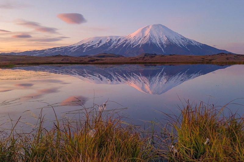 камчатка, пейзаж, природа, путешествие, фототур, облака, осень, рассвет, вулкан Гонки с облакамиphoto preview