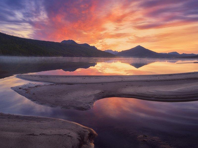 колыма, рассвет, озеро_джекалондона, озеро Багряный рассвет в устье Пургиphoto preview