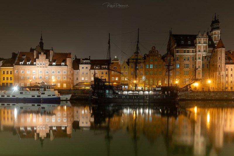 Gdansk by nightphoto preview