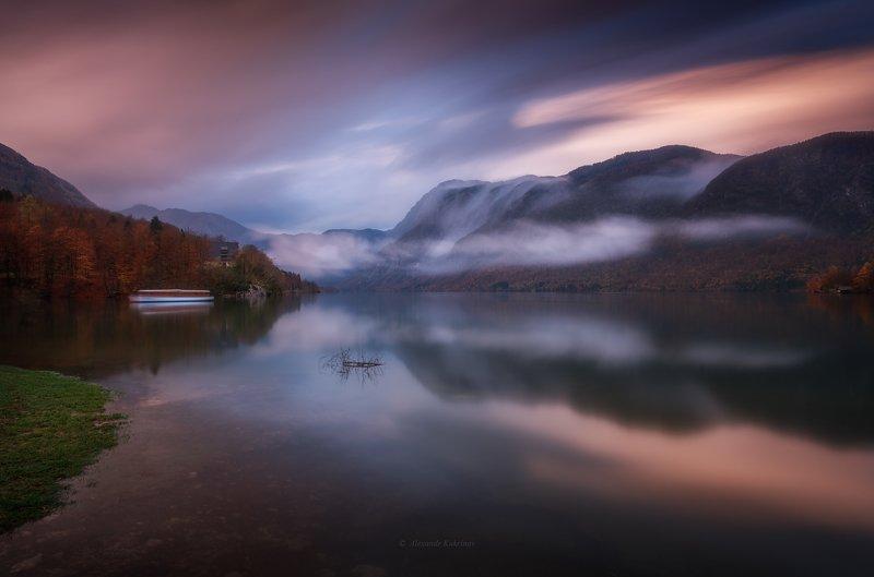 словения, осень, туман, пейзаж, утро, бохинь Утро на озере Бохинь...photo preview