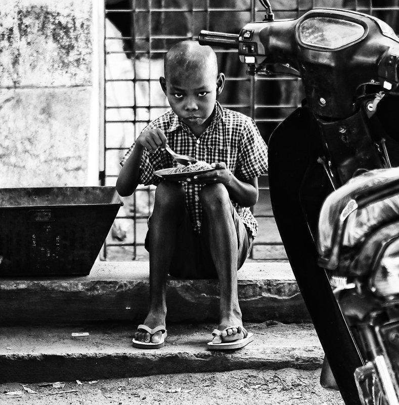 портрет, стрит, ребенок, азия, чб, монохром photo preview