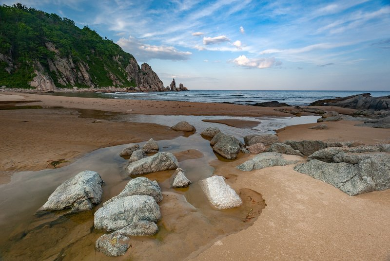 Beach, Sea, Coastline, Nature, Rock - Object, Sand, Landscape, Scenics, Outdoors, Water, Wave, Sky, Cliff, Summer, Atlantic Ocean, Water\'s Edge, No People, Seascape, Stone - Object, Blue Бухты Тихого Океанаphoto preview
