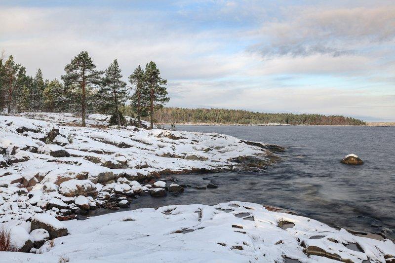 Карелия, Ладога, шхеры Снег на шхерахphoto preview