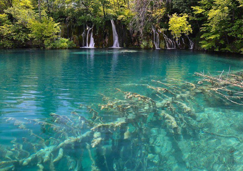 Изумрудные воды Плитвицких озерphoto preview
