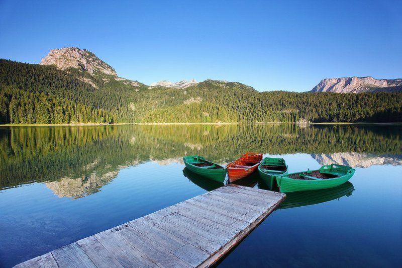 монтенегро, дурмитор, жабляк, озеро, вода, балканы, черногория, лодки, горы Чёрное озероphoto preview