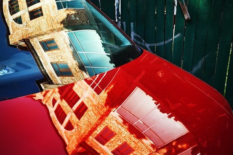 Красная машинаphoto preview