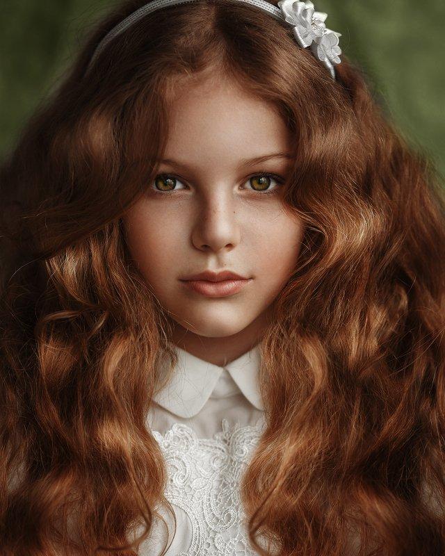 портрет, рыжая, рыжие волосы, девушка Школьницаphoto preview
