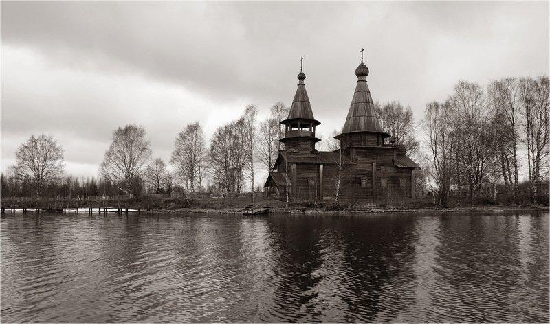 храм, деревянная церковь, озеро, весна, Под небом Карелии.photo preview