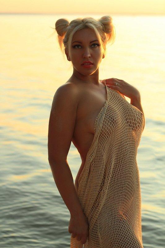 море, закат, ню, девушка... Море которое манит ...photo preview