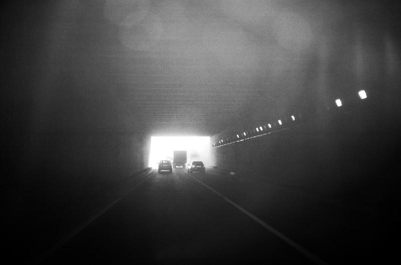 город, дорога, чб светphoto preview