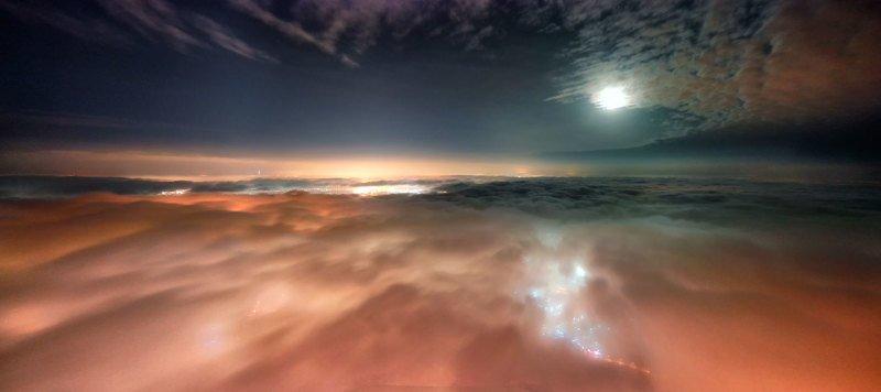 город под облакамиphoto preview