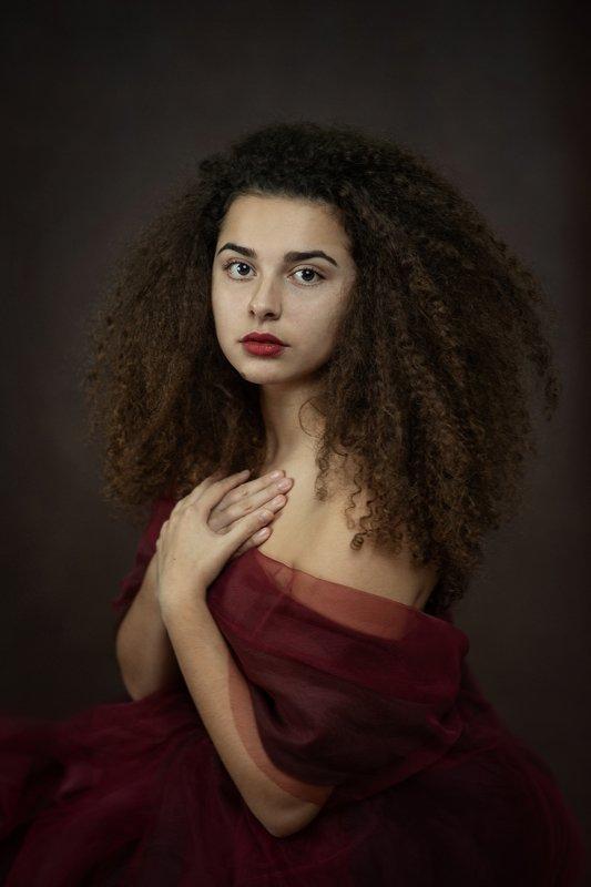 portrait woman painterly Portrait of Patriciaphoto preview
