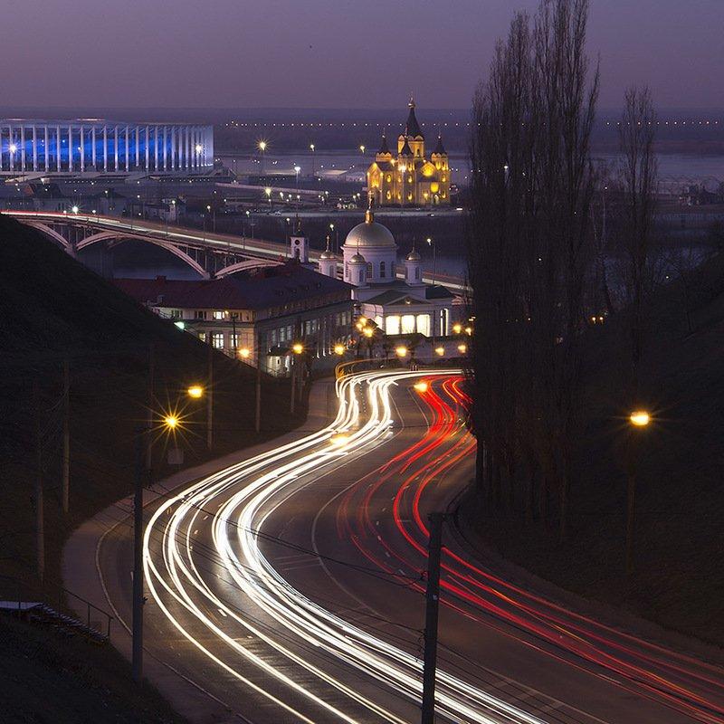 город, вечер, дорога, храм Вечерний Нижний. Похвалинский съезд.photo preview