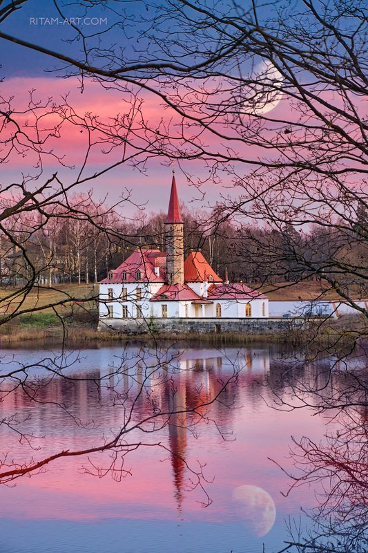 gatchina, petersburg, saint-petersburg, priory, palace, sunset, moon, lake, russia, ritam, melgunov, гатчина, приорат, закат, луна, петербург, питер, санкт-петербург, ритам, мельгунов, россия, стихи, поэзия, фото Приорат - лунная сказка / The Priory Palace - A Moon Fairytalephoto preview