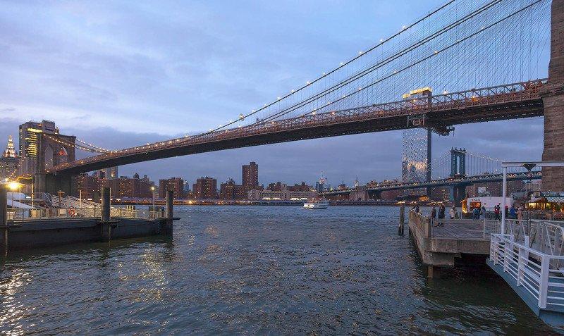 город,нью йорк, манхэттен,архитектура,ночь,отражения,река,истривер,огни,мост, бруклинский мост, Опять плывут куда то корабли...photo preview