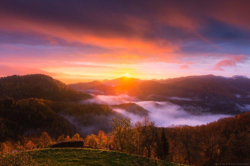 Slovenia, sunrise, landscape, Словения, природа, пейзаж, утро Утро в горахphoto preview