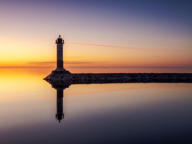 маяк вуохенсало на берегу ладожского озераphoto preview