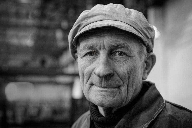рабочий, старик, портрет Жизньphoto preview