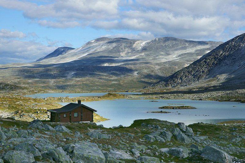 дом, горы, норвегия Хорошо иметь домик в тихом месте.photo preview