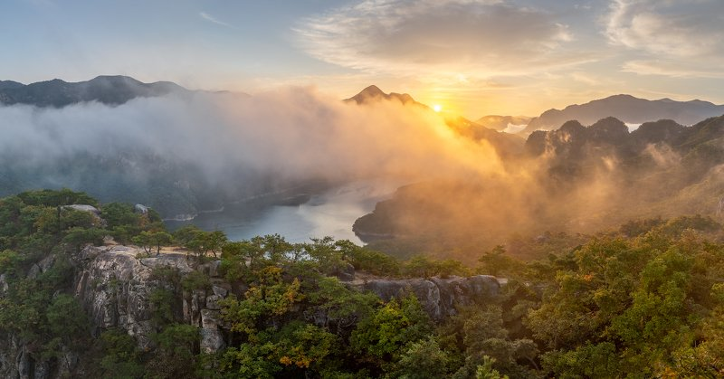 mountains,peak,hiking,fog,clouds,autumn Early Autumn Of Oksunbongphoto preview