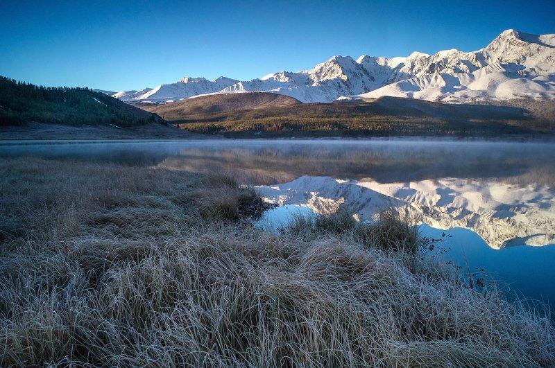 природа  алтай  горы пейзаж путешествие осень тени северо-чуйский хребет отражение озеро джангысколь Одним морозным утром...photo preview
