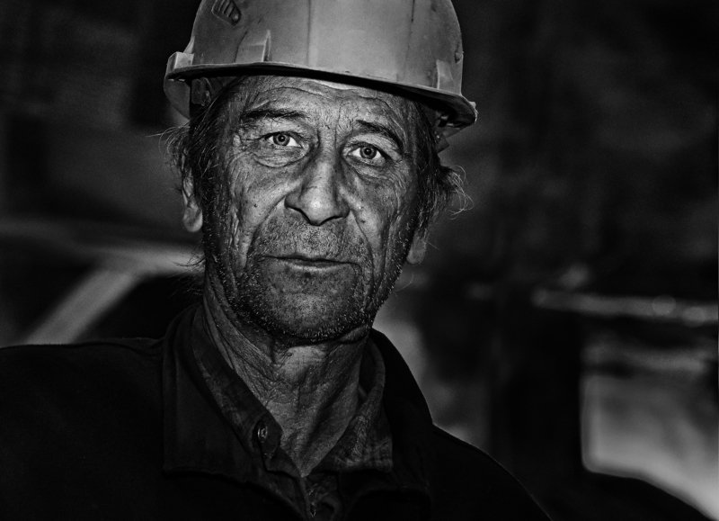 портрет, металлург, ч/б портрет металлургаphoto preview