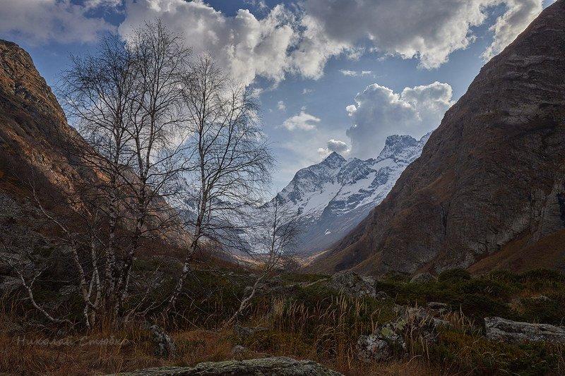 кавказ горы осень В теснинеphoto preview