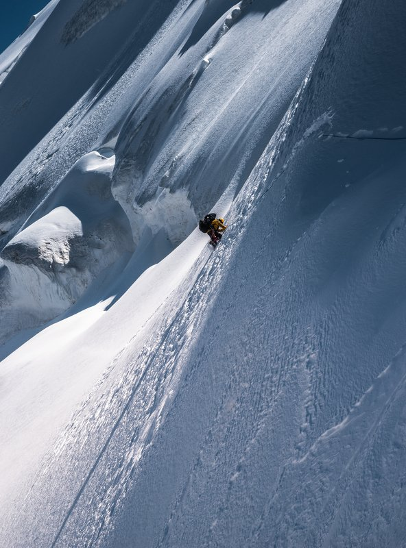 киргизия, терскей, горы, снег, перевал Работа на перевалеphoto preview