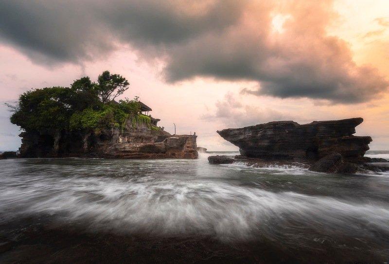 Бали, храм, океан Храмы Балиphoto preview