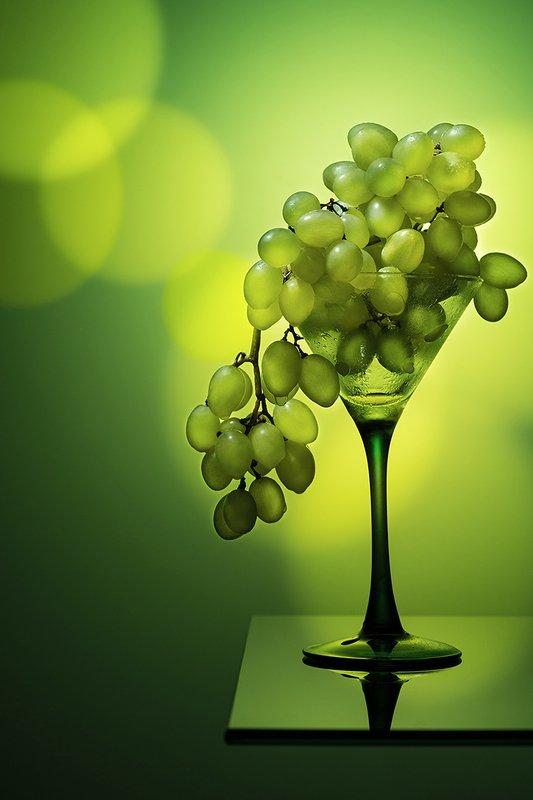 виноград, зеленый, цвет, бокал, фудфото, монохром, фрукты, ягоды, еда, натюрморт Green grapephoto preview