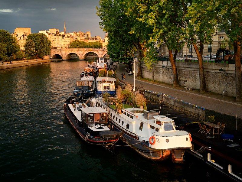 paris, seine, cité, péniches баржи на Сенеphoto preview