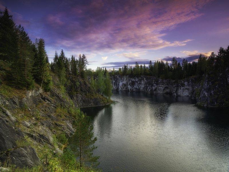 закат над заброшенным мраморным карьером в рускеалеphoto preview