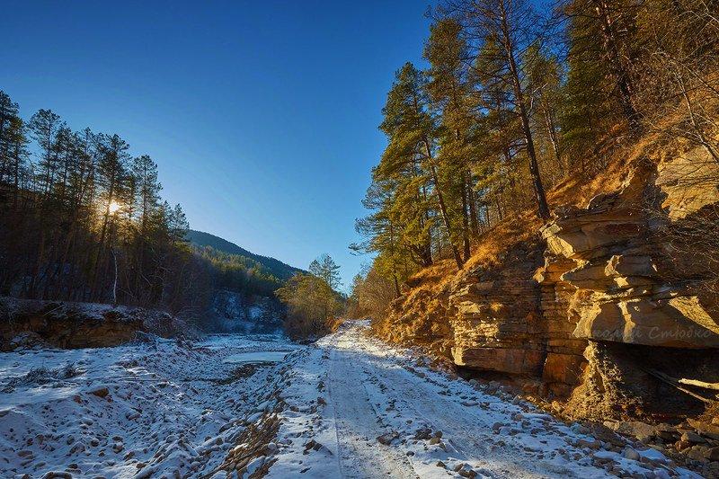 кавказ горы зима На трактеphoto preview