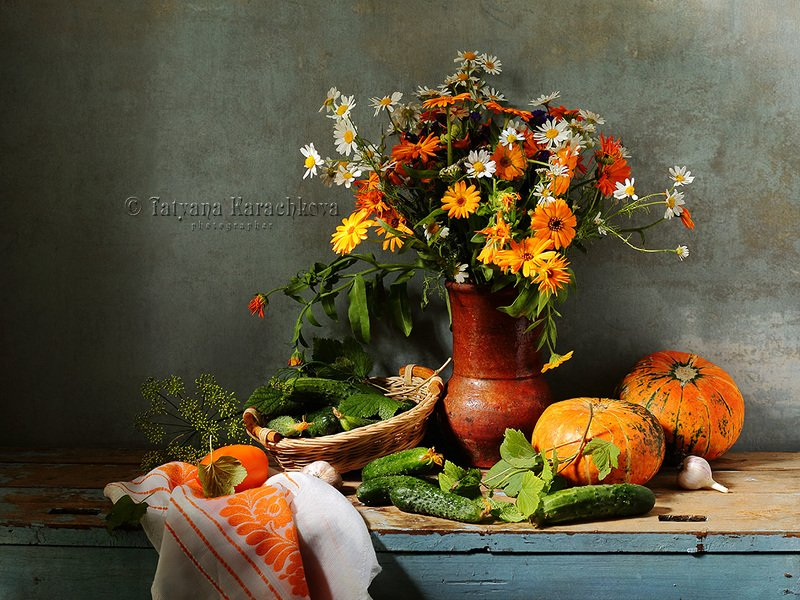 натюрморт, цветы, настурция, кувшин, огурцы, тыква, ромашки Дачные радостиphoto preview
