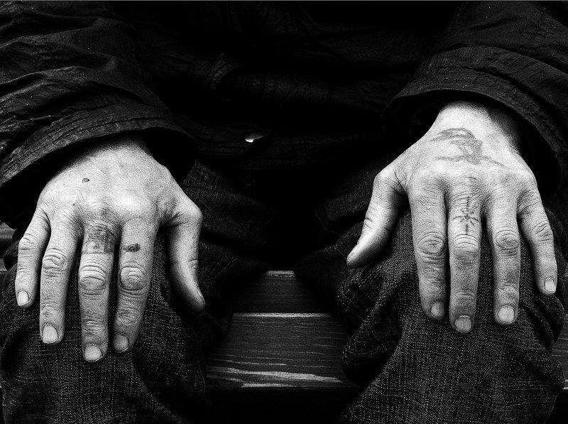 чб, монохром рукиphoto preview