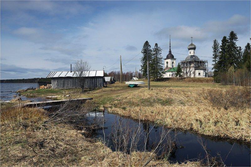 кенозерский парк, архангельская область, весна, май, церковь, У озера.photo preview