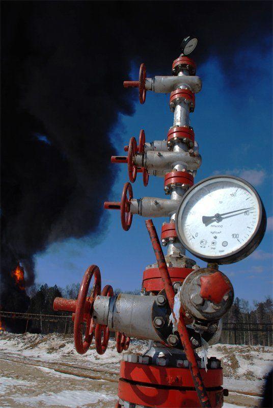скважина, нефть, манометр, промышленность Большая нефтьphoto preview