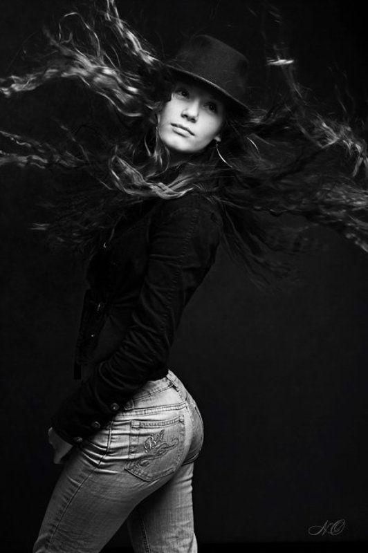 девушка, волосы, полет Разлетайкаphoto preview